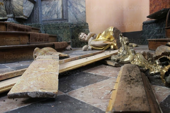 france desecration of church