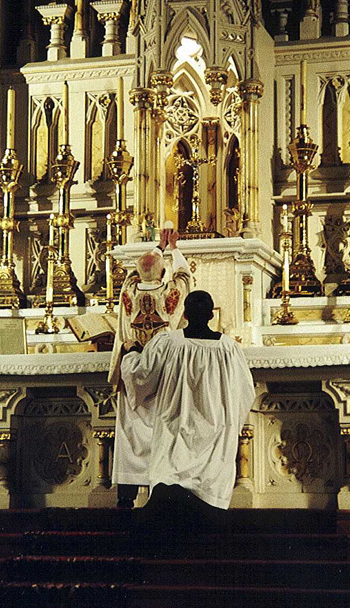 The Elevation of the host in the traditional mass