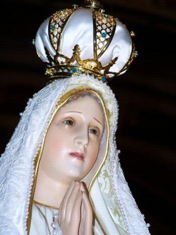 pilgrim statue of Our Lady of Fatima
