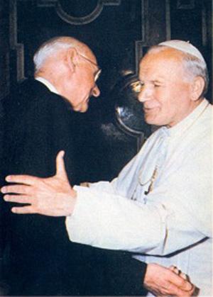 von Balthasar embracing John Paul II