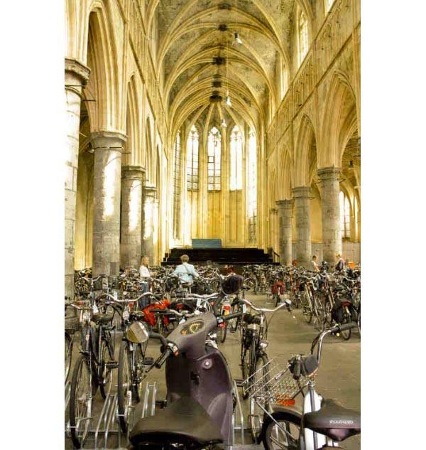 Iglesia Domican en bicicletas
