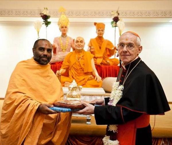 Cardinal Tauran in Hindu Temple in London 01
