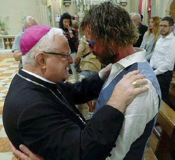 Bishop Zenti receives married homo priest