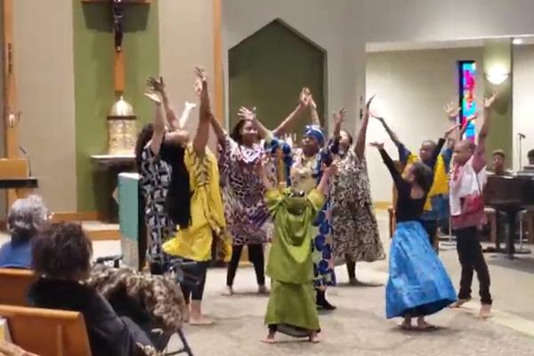 de la iglesia de Santa Inés Nuestra Señora de Fátima en Cleveland - Baile 1