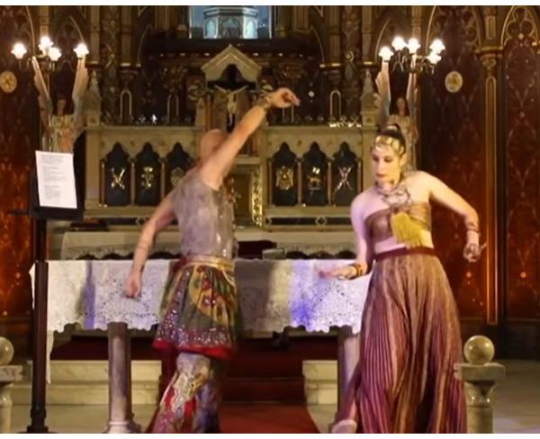 Ceremonia de Hare Krishna en la iglesia católica de Río 4
