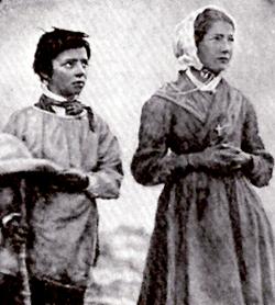 Una fotografía de los pastores Melanie y Maximin
