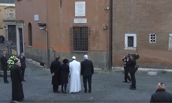 Pope Francis visit to the synagogue 1